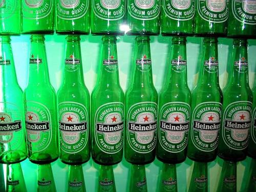 Amsterdam, l'Heineken Experience, le Bottiglie tipiche