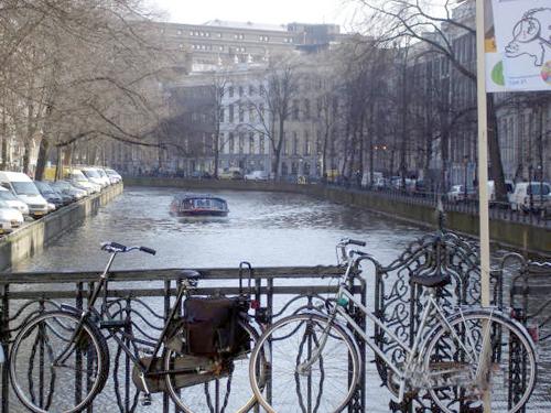Le Bici e  Battelli di Amsterdam