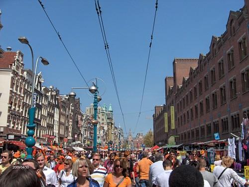 Amsterdam, tutti in arancione il compleano della Regina, Aprile 09