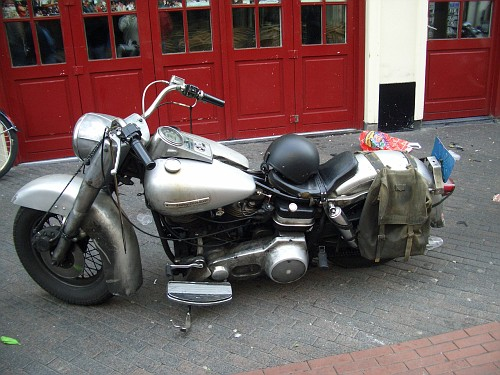 Eindhoven Moto grigia